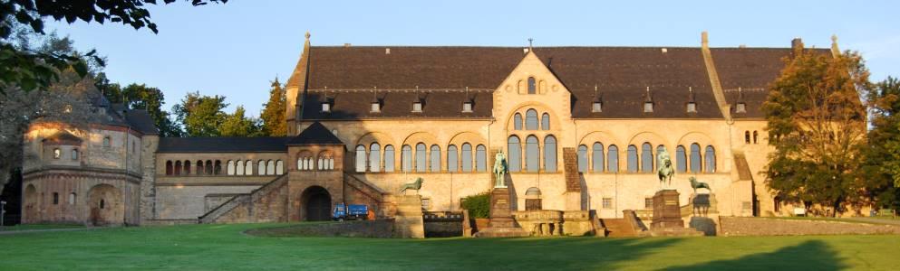 <a href='http://www.harz-seite.de/foto-goslar.htm#000700' target='_blank'>Kaiserhaus</a>